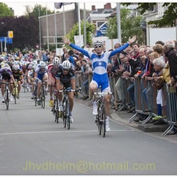 Paul de Haan sprint naar winst in Omloop van Bedum