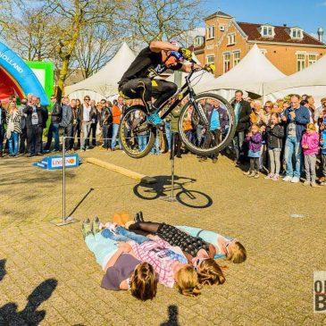 Fiets Trial Stunt Show tijdens Omloop van Bedum