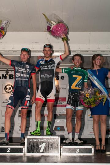 Veteraan Taeke Oppewal wint 33e Omloop van Bedum.